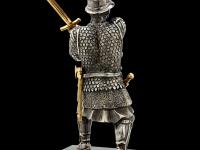 W04 воин с мечом_black_back.jpg