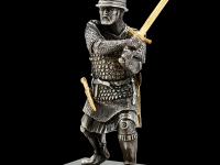 W04 воин с мечом_black_front.jpg