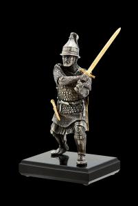 Воин с мечом
